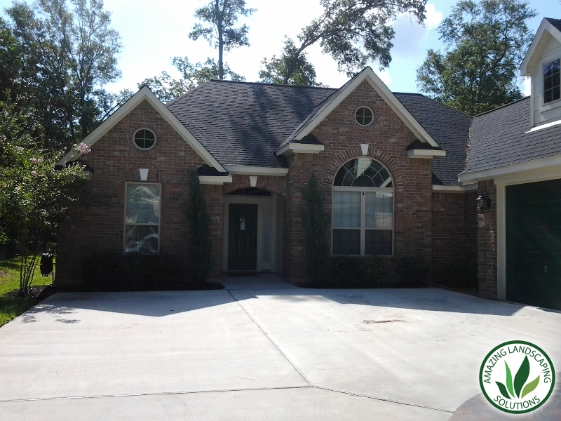 gravel driveway landscaping in Montgomery, Texas
